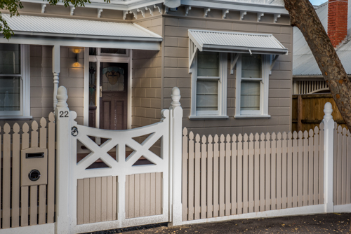 Picket fence Melbourne with wooden gate