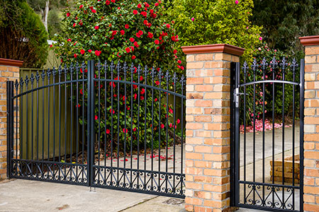 moderngatesmelbourne besides Straight Glass Stairs moreover Ex le Ranks likewise House Fence Design Philippines Trend Collection And Latest Paint Colour Trends Of Gates Images in addition Modern Privacy Fences. on fences modern home design